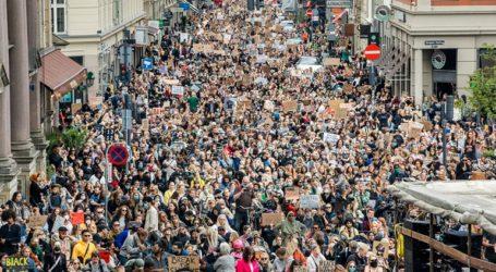 Τουλάχιστον 15.000 πολίτες διαδήλωσαν εναντίον του ρατσισμού