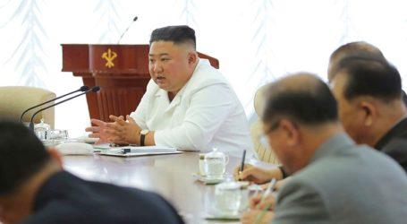 Η Πιονγκγιάνγκ διαμηνύει πως κλείνει όλους τους διαύλους επικοινωνίας με τη Νότια Κορέα, στην οποία βλέπει πλέον «έναν εχθρό»