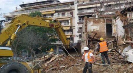 Σε εξέλιξη εργασίες κατεδάφισης κτισμάτων για τη διάνοιξη της οδού Αγίου Δημητρίου