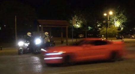 Αστυνομικοί καταδιώκουν «πειραγμένα» αυτοκίνητα στην Παραλιακή