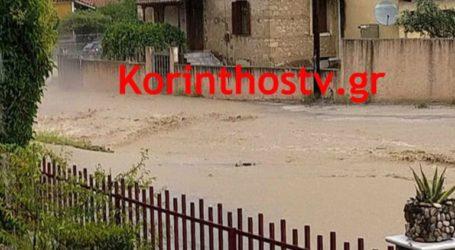 Σε «ποτάμια» μετατράπηκαν οι δρόμοι στα Αθίκια Κορινθίας