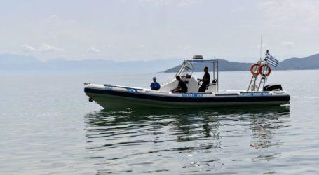 Ακινητοποιήθηκε σκάφος με μετανάστες στη Ρόδο