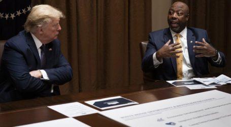 Πυρά Τιμ Σκοτ κατά Τραμπ: «Ήταν χυδαίο και προσβλητικό»
