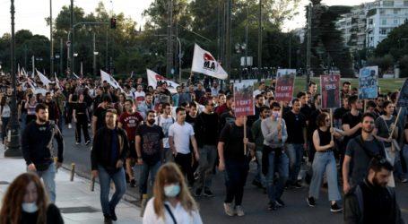 Η κυβέρνηση αναβιώνει νόμο της Χούντας για τις συγκεντρώσεις και πορείες
