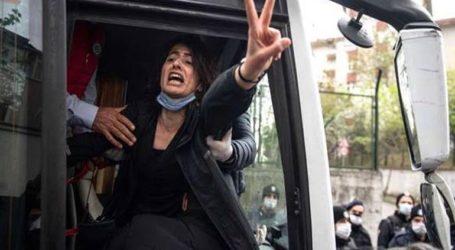 Τα τουρκικά συνδικάτα απειλούν με γενική απεργία λόγω περικοπών αποζημιώσεων