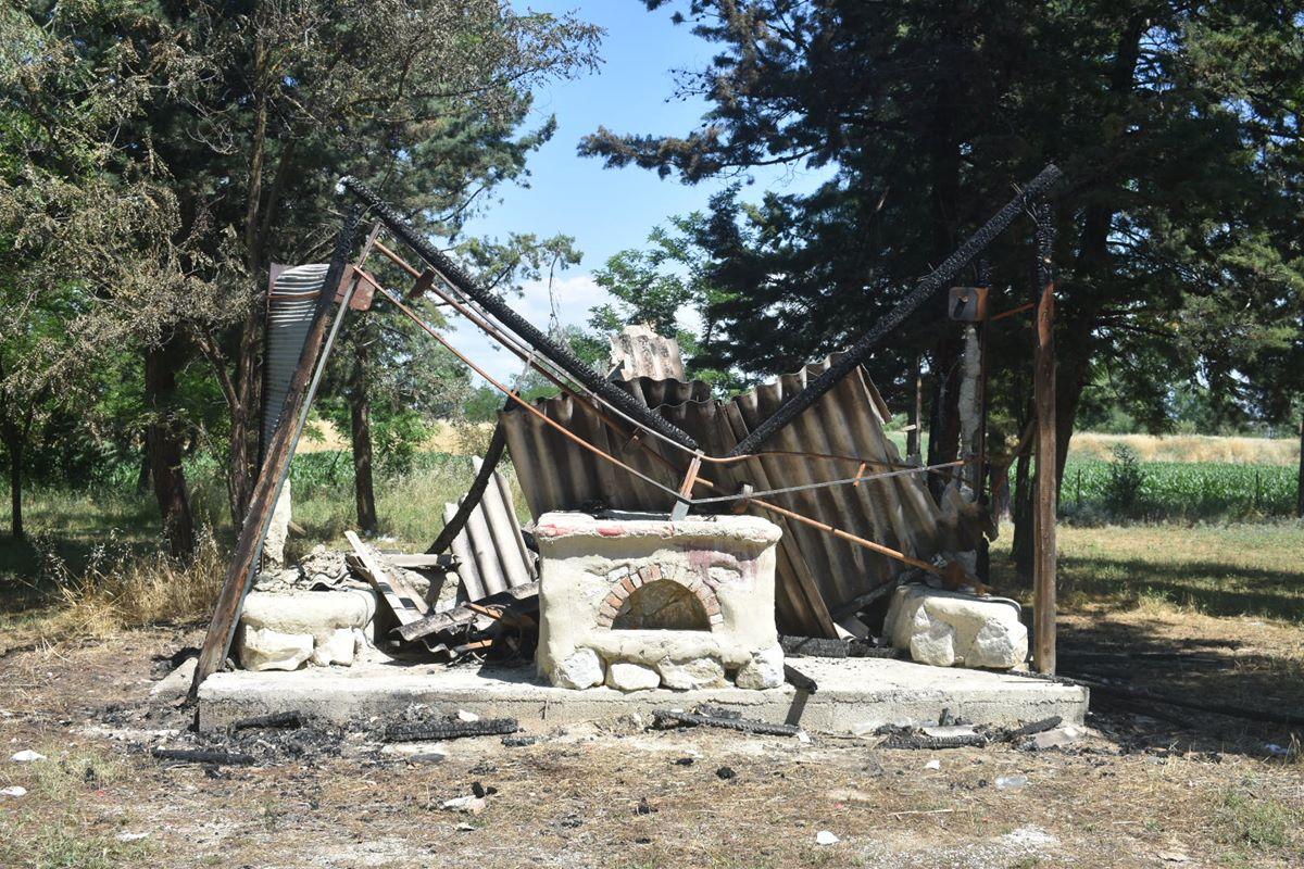 Θλιβερές εικόνες καταστροφής και εγκατάλειψης στο Αισθητικό Άλσος Λάρισας (Δείτε φωτογραφίες)