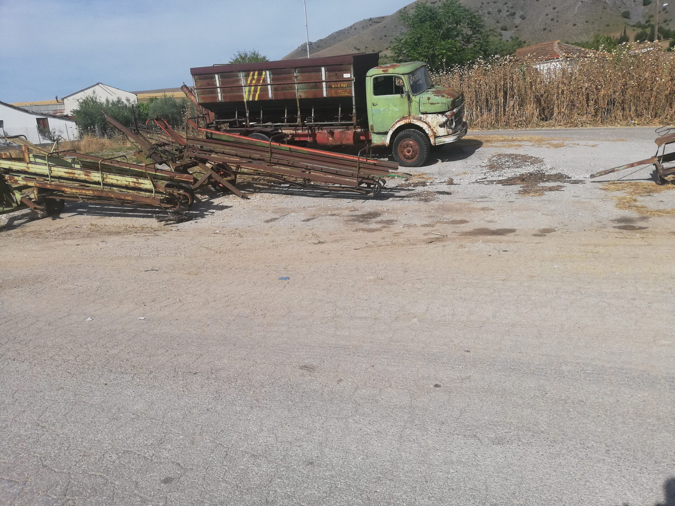 Αυτοψία της παράταξης Λάρισα Μπροστά: Σκουπίδια και μπάζα παντού στην Αμυγδαλέα