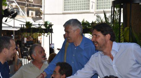 Στη Λάρισα ο Παναγιώτης Φασούλας ως υποψήφιος πρόεδρος της ΕΟΚ – Οι συναντήσεις του σε κεντρικό καφέ της πόλης (φωτο – βίντεο)