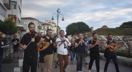 Νότες… διαμαρτυρίας από τον Πανελλήνιο Μουσικό Σύλλογο στη Λάρισα (φωτο – βίντεο)