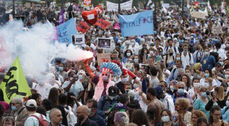 Επεισόδια στο Παρίσι στη διαδήλωση των νοσηλευτών και φροντιστών