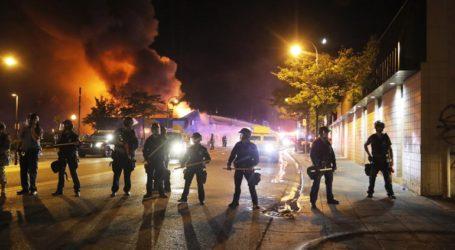 Χιλιάδες αστυνομικοί και στρατιώτες περιπολούν στις μεγάλες αμερικανικές πόλεις