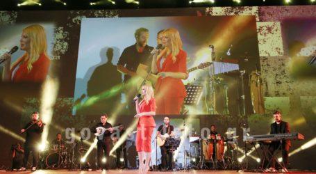 Όλα όσα έγιναν στην πρώτη drive – in συναυλία στη Γλυφάδα με τη Νατάσα Θεοδωρίδου
