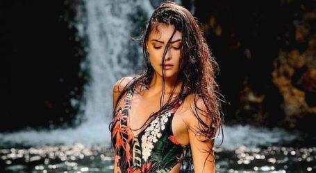 Εύη Ιωαννίδου: Ποζάρει topless στο Instagram!