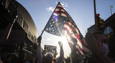 """Ανισότητες και ανεργία τα """"καύσιμα"""" της εξέγερσης"""