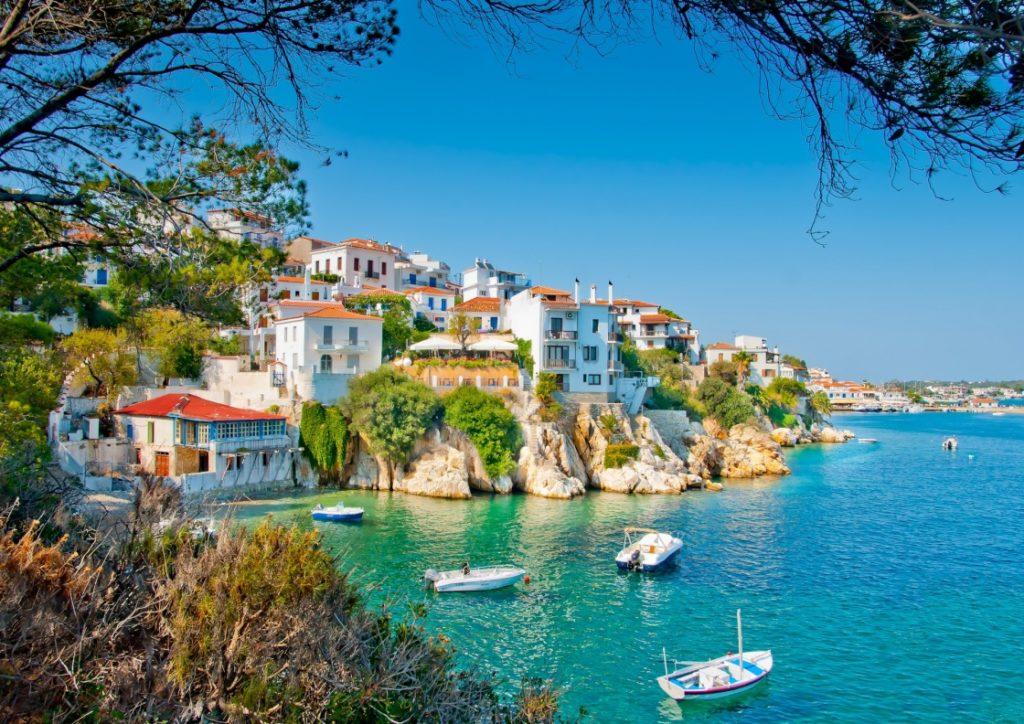 ajiotheata sth skiatho the old part of town in island skiathos in greece 578 7820