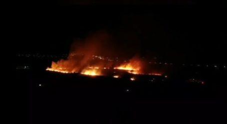 Λάρισα: Έσβησε η φωτιά πίσω από το ΤΕΙ Θεσσαλίας – Παραμένει στο σημείο η Πυροσβεστική