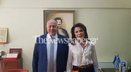 Δείτε βίντεο από την επίσκεψη της Γιάννας Αγγελοπούλου στο Βελεστίνο – Όσα είπε στη συνεδρίαση