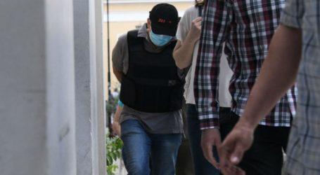 «Έσπασαν» τα τηλέφωνα στην Αστυνομία για τον ψευτογιατρό – Βολιώτες του έδιναν χιλιάδες ευρώ!