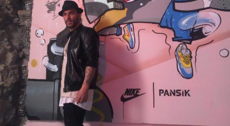 Κρις Βάλλας: Ο Λαρισαίος γυμναστής των διασήμων με τη συλλογή των… 550 παπουτσιών (φωτο – βίντεο)