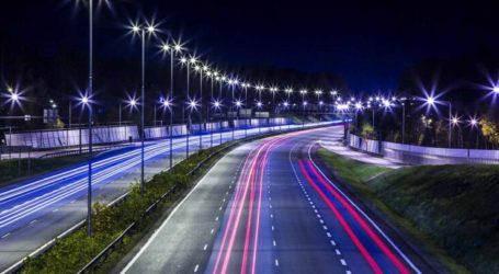 Η Περιφέρεια Θεσσαλίας αντικαθιστά τον ενεργοβόρο φωτισμό των δρόμων με 7.700 οδοφωτιστικά τύπου LED