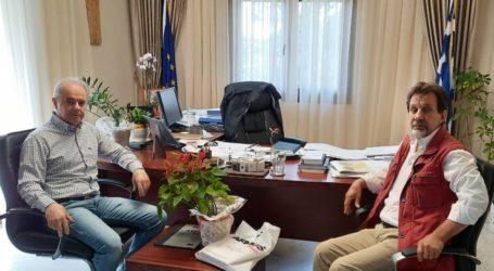 O Πρόεδρος του Πολιτιστικού Κέντρου Σιδηροδρομικών Λάρισας στον δήμαρχο Τεμπών