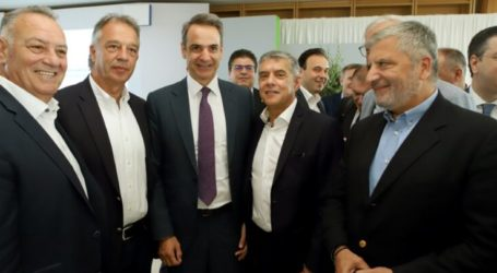 Με τον πρωθυπουργό Κ. Μητσοτάκη, Αγοραστός-Μιχαλάκης (φώτο)