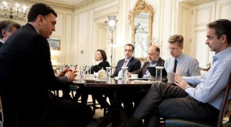 Κορωνοϊός: Ανησυχία για τα νέα κρούσματα – Ο Μητσοτάκης αποφασίζει για πιθανά νέα μέτρα
