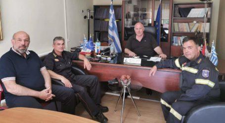 Με τον Διοικητή της Πυροσβεστικής συναντήθηκε ο δήμαρχος Ρήγα Φεραίου