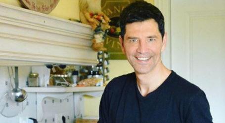 Σε ποιο εστιατόριο του Βόλου έφαγε ο Σάκης Ρουβάς – Τι δοκίμασε ο δημοφιλής σταρ