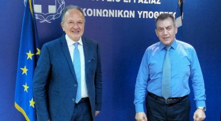 Με τον Υπουργό Εργασίας συναντήθηκε ο Θ. Λιούπης – Στο επίκεντρο η απονομή συντάξεων