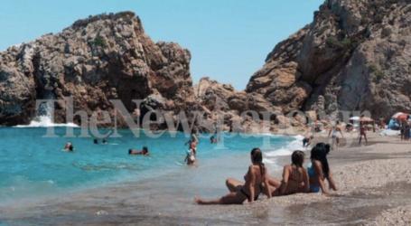 Δροσιά στις παραλίες του Πηλίου αναζήτησαν οι Βολιώτες – Δείτε εικόνες