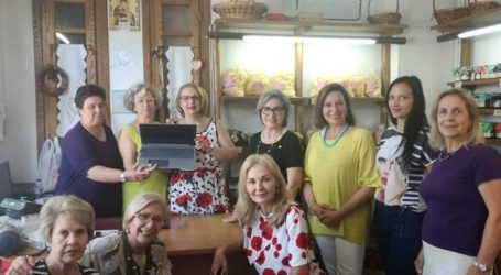 Οι Σοροπτιμίστριες του Βόλου χάρισαν ένα λάπτοπ στον Γυναικείο Συνεταιρισμό Πορταριάς