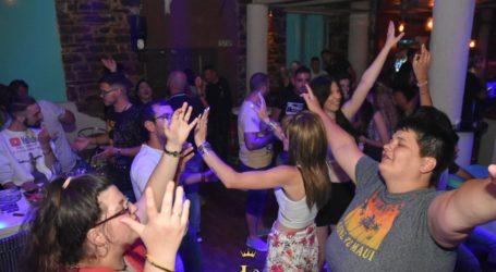 Στα «ελληνάδικα» διασκεδάζουν οι Βολιώτες – Δείτε εικόνες