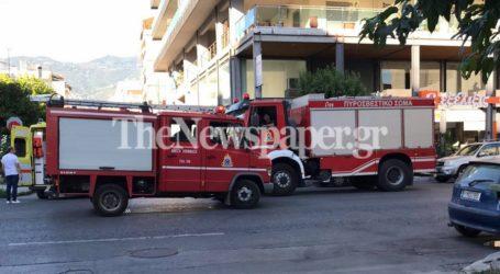 ΤΩΡΑ: Μικροατύχημα στη 2ας Νοεμβρίου αναστάτωσε Πυροσβεστική και ΕΚΑΒ [εικόνες]