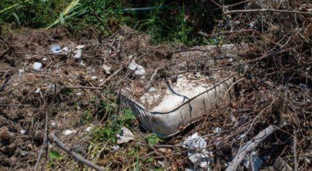 Λάρισα: Σκουπιδότοπος «αξιοθέατο» με φόντο την πλούσια βλάστηση, δίπλα στον δρόμο προς γνωστές παραλίες (φωτο)
