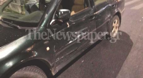 ΤΩΡΑ: Τροχαίο ατύχημα σε κυκλικό κόμβο του Βόλου – Σύγκρουση νταλίκας με ΙΧ [εικόνες]