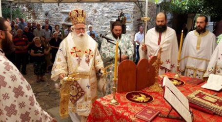 Δημητριάδος Ιγνάτιος: «Η ζωή μας βρίσκεται στα χέρια του Θεού» – Λαμπρός ο εορτασμός του Αγίου Παντελεήμονος [εικόνες]