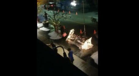 Χιονίζει κατακαλόκαιρα έξω από το σπίτι Λαρισαίας! Γυρίζεται χολιγουντιανή ταινία στην πόρτα της (βίντεο)