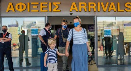 Πάνω από 4.000 τεστ σε ταξιδιώτες στα αεροδρόμια της χώρας