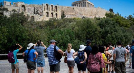 Ανεύθυνη Σουηδή τουρίστρια βρέθηκε θετική στον ιό κι έκανε βόλτες στην Αθήνα