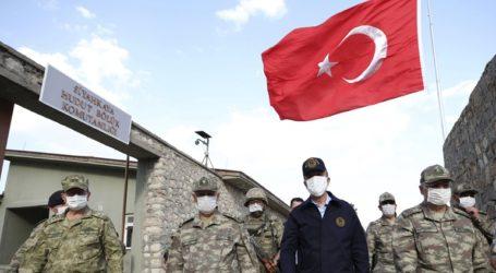Στη Λιβύη ο Τούρκος υπουργός Άμυνας και ο αρχηγός του στρατού