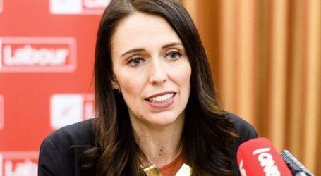 Η πρωθυπουργός ξεκίνησε την προεκλογική εκστρατεία, υποσχόμενη θέσεις εργασίας
