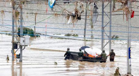 Στους 34 ανήλθε ο αριθμός των νεκρών από τις καταρρακτώδεις βροχές