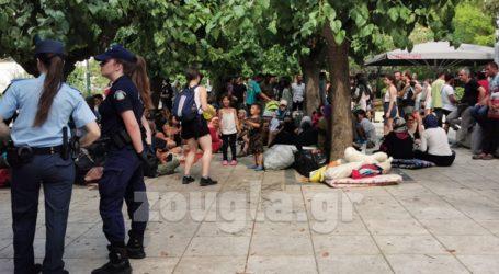 Πρόσφυγες και μετανάστες στην πλατεία Βικτωρίας