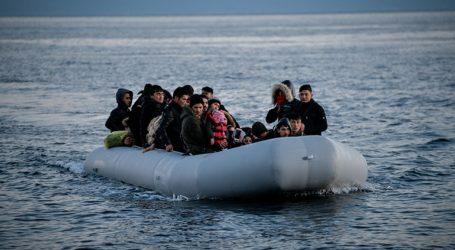 Βάρκα με 27 πρόσφυγες και μετανάστες έφθασε σήμερα στη Θερμή