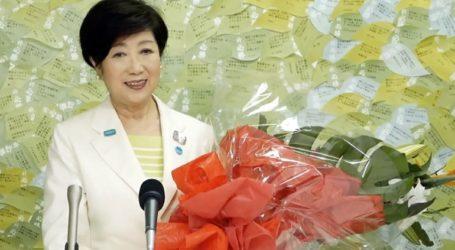 Επανεξελέγη κυβερνήτης του Τόκιο η πολιτικός που απειλεί τον Άμπε