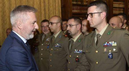 Στην Άγκυρα ο Ιταλός υπουργός Άμυνας