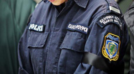 Αστυνομικός απέτρεψε σύλληψη κουκουλοφόρου στα επεισόδια