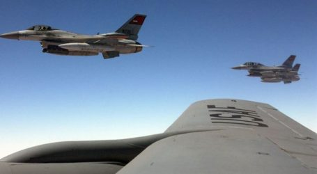 Εντυπωσιακή άσκηση των Ενόπλων Δυνάμεων της Αιγύπτου στα σύνορα με τη Λιβύη