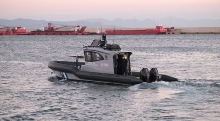 Σκάφος ανετράπη στην Κορινθία – Σώοι και οι επτά επιβαίνοντες